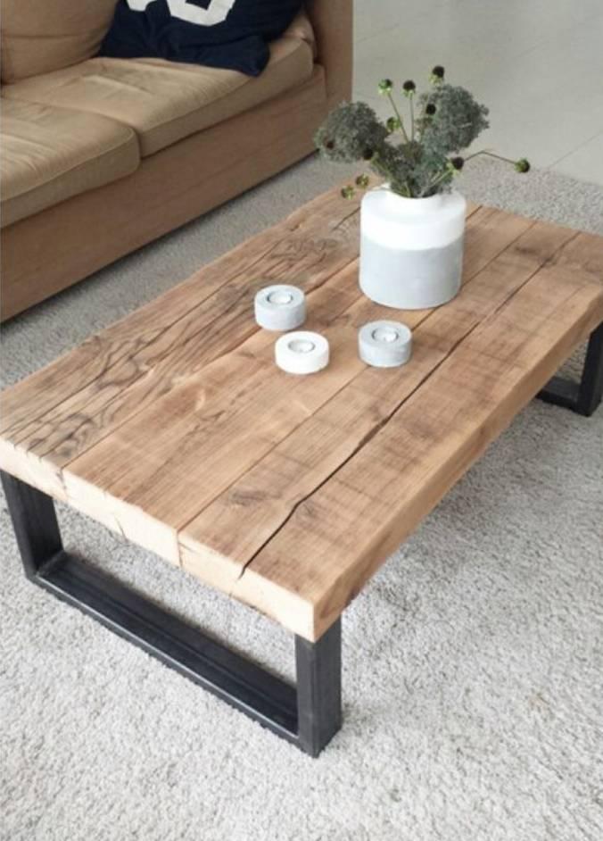 Parádní stolek z masivu